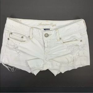 AE American Eagle white distressed jean shorts 4